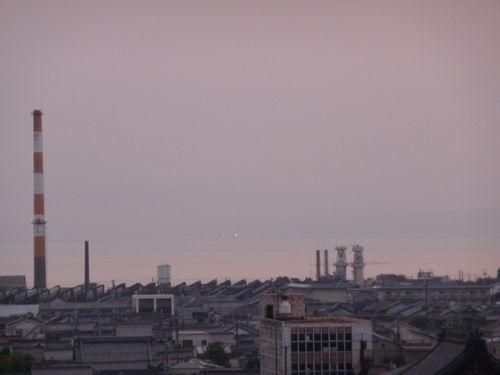 <日没時 病院の窓から湖西方面>