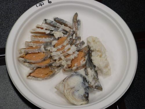 <厚めにカットされた鮒寿司>