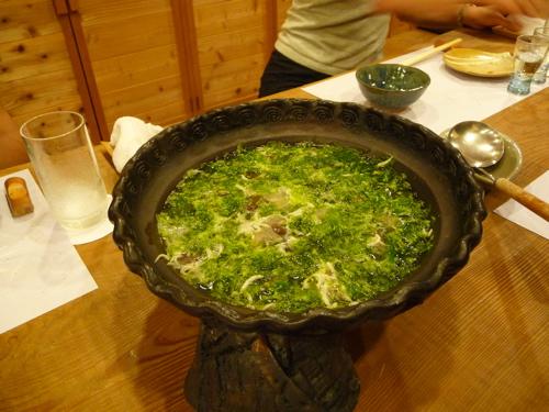 <氷魚と海苔とキノコの鍋>