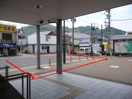 <能登川駅東口階段下>