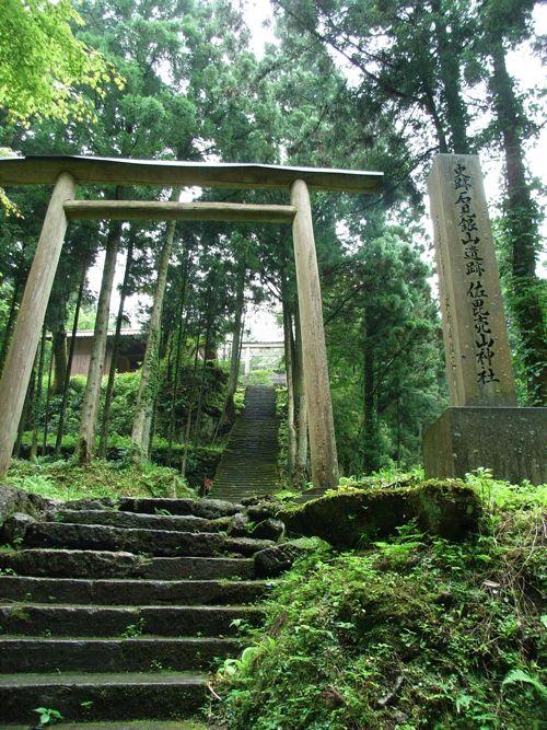 <石見銀山の山中にある神社>