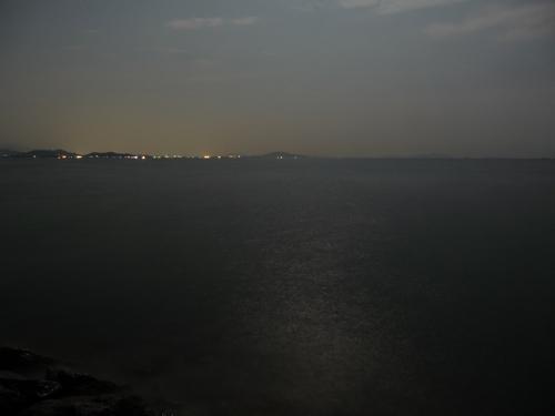 <琵琶湖に映る月影>