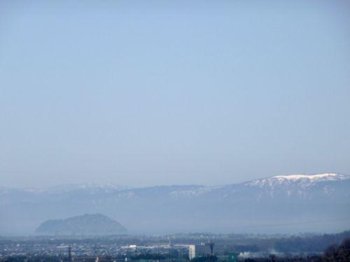 <山に積もった雪が琵琶湖を豊かにしている>