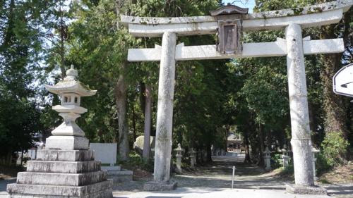 <当初、岡本神社だった岡高神社>